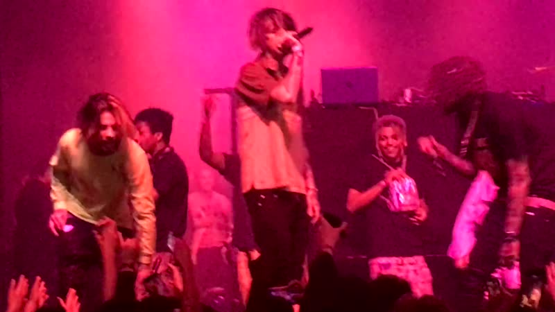 Lil Peep feat. Lil Tracy - Giving Girls Cocaine (Live in Santa Ana 4/29/17)