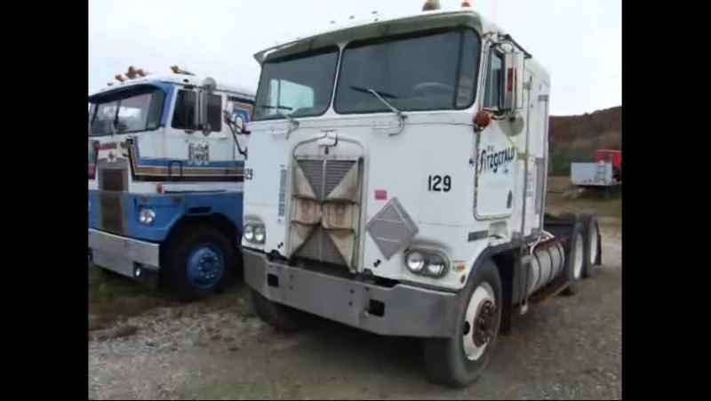 Kenworth Freightliner International Diamond and other old semi trucks for sale