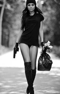 Фото девушке бандиток