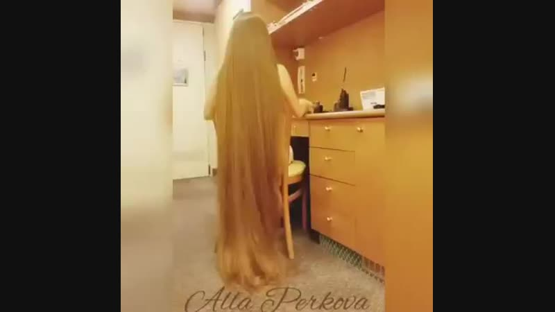 Extremely Long and Thick Hair part 15 Mony
