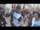 Englische Junge Leute gegen den Bau einer Moschee in Worcester Vereinigtes Königreich Muslime konfrontieren sie sehr gewaltsam