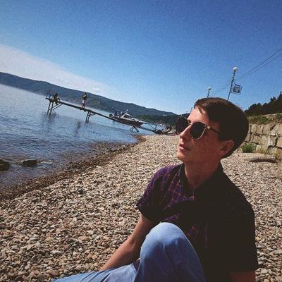 Даниил Бобров