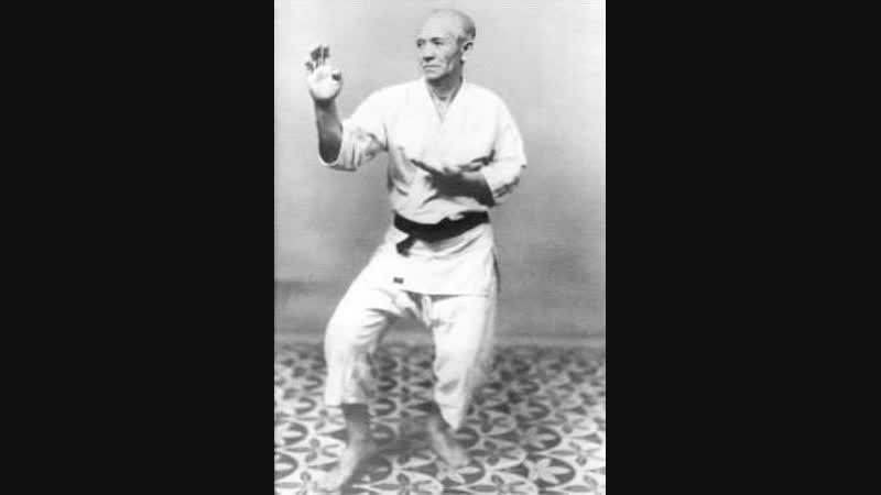 Higa Sekō Sensei performing Suparinpei kata