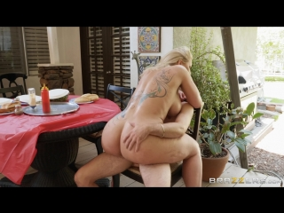 Brazzers.com] Ryan Conner - Horny For That Hot Dick [2018-09-16, Big Ass, Big Tits, Blonde, Deep Throat, Facial, MILF, Spanking,