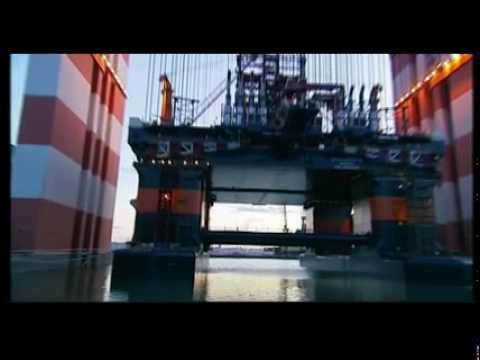 TAISUN, biggest crane in the world assembles D90, biggest drilling rig in the world