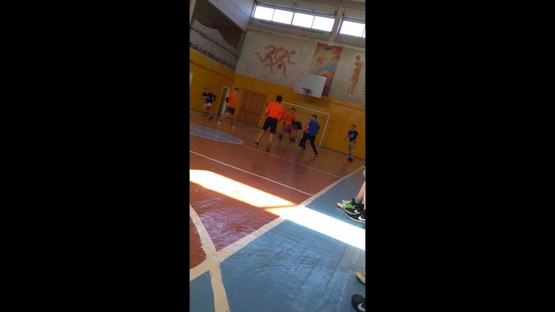 Баскетбол за общагу)