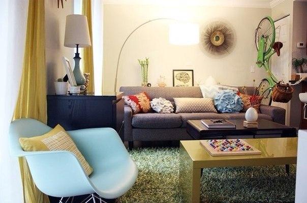 Переезд в маленькую квартиру: 3 этапа Небольшая квартира и все, что с ней связано, – это тема, актуальная на все времена, поэтому мы снова к ней обращаемся. Но если вы только планируете переезд на небольшую площадь? Смотрим, какие шаги следует предпринять