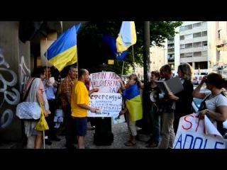 У Лісабоні, українці провели референдум з метою закриття російського посольства у Португалії