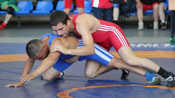 Орловец выиграл бронзу ПР по вольной борьбе среди ветеранов