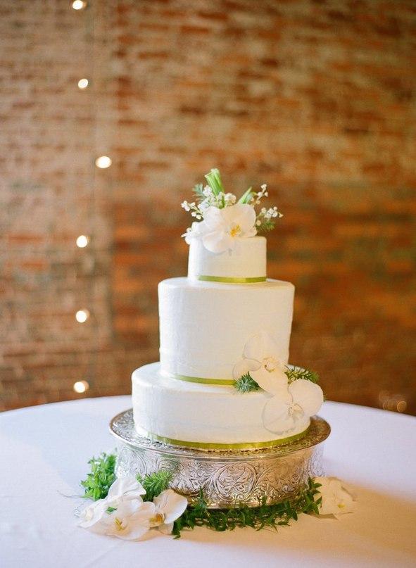 qqlIEe7oC3c - Золотые и серебряные свадебные торты 2016 (70 фото)
