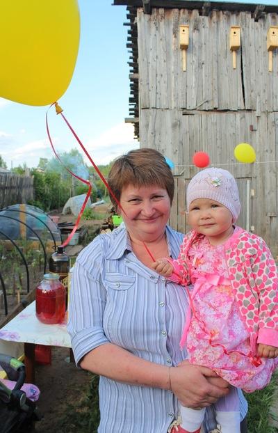 Елена Махнева, 24 декабря , Верхошижемье, id194603504
