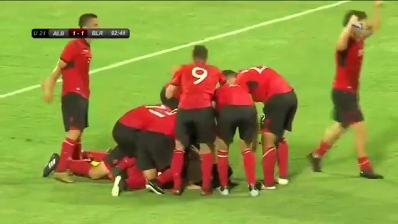 Вратарь молодежной сборной Албании забивает белорусам гол на последних секундах.