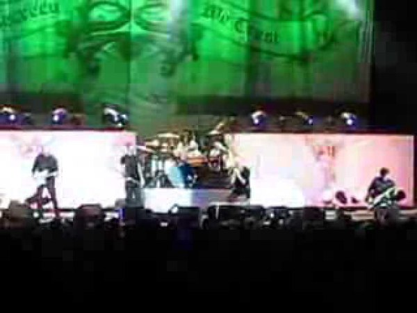 Stone Sour playing Inhale live in Pittsburgh - 5.6.11