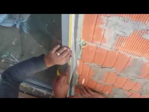 Приклейка элементов примыкания с сеткой к оконным рамам мокрый фасад технология
