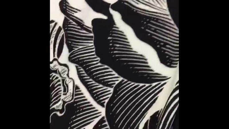 """Черно-белая история от модного дома «Roberto Cavalli"""",невероятно пластичная и эластичная ткань,лайкра,тянется в обе стороны,сост"""