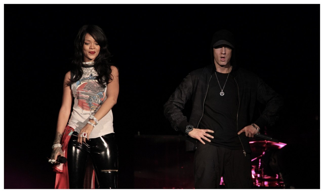 Eminem & Rihanna Live at Pasadena, Rose Bowl Stadium. FULL. The Monster Tour 2014