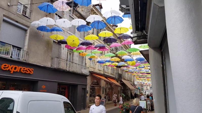Vesoul (шербургские зонтики) . Нормандия, Франции. Швейцарцы