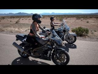 Anna Bell Peaks, Felicity Feline – Bloodthirsty Biker Babes Part 3 [Brazzers, Threesome]