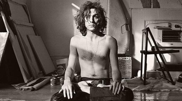 На фото Сид Барретт основатель группы Pin Floyd. 1970 год