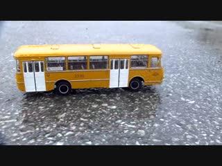RC автобус ЛиАЗ-677М Test Drive под дождем