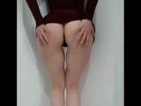 Сладкая худенькая малышка с упругими ягодицами , не порно , секси, попка эротика