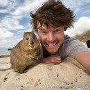29-летний ирландец сделал селфи со множеством животных, которые его почему-то не боятся
