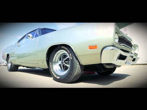 1969 Dodge Charger vs 1969 Dodge Super Bee! Kult Cars American Muscle Cars