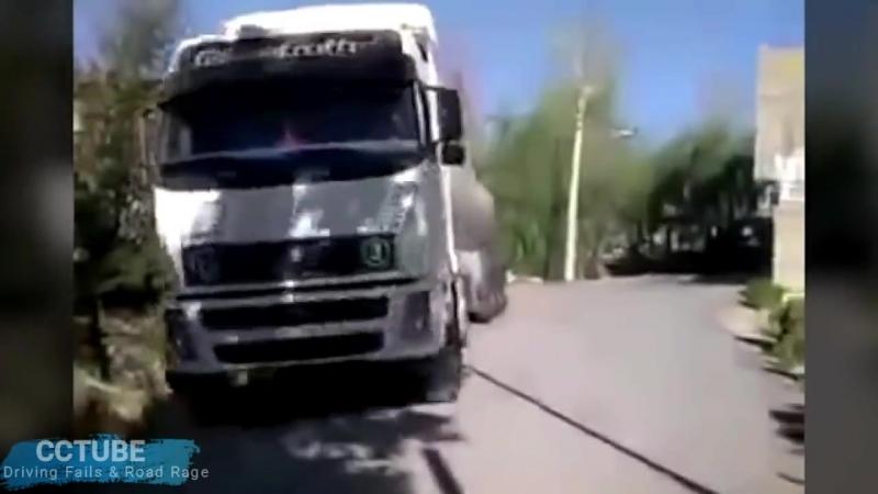 Amazing Truck Driving Skills - Experienced Truck Drivers