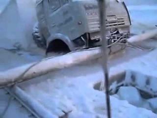 Камаз вмерз в лед  Дорога севера  ЖЕСТЬ!