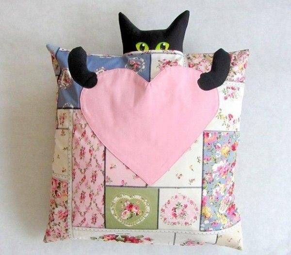 Оригинальные текстильные подушки