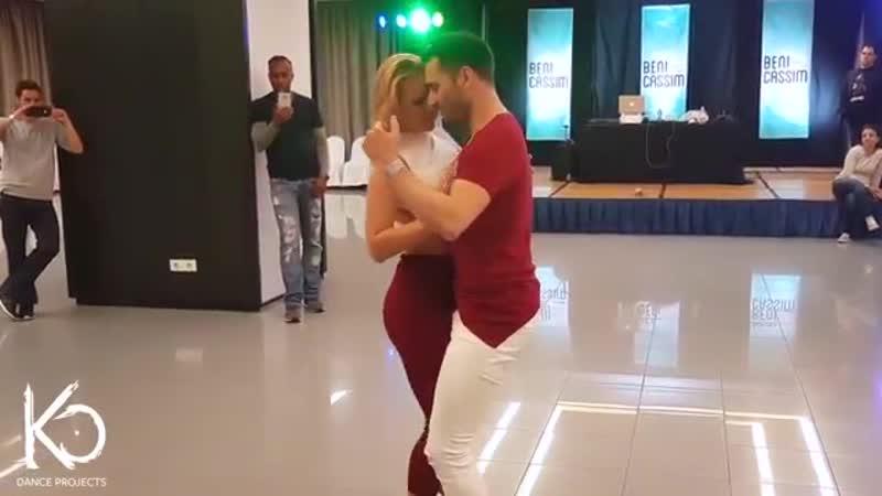 Ваууу. Встречайте.Танцуют. КРИСТИНА и неотразимый.КИКО