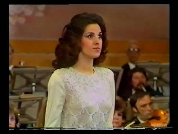 Angela Gheorghiu - Adriana Lecouvreur Poveri fiori - Radio Hall Bucharest