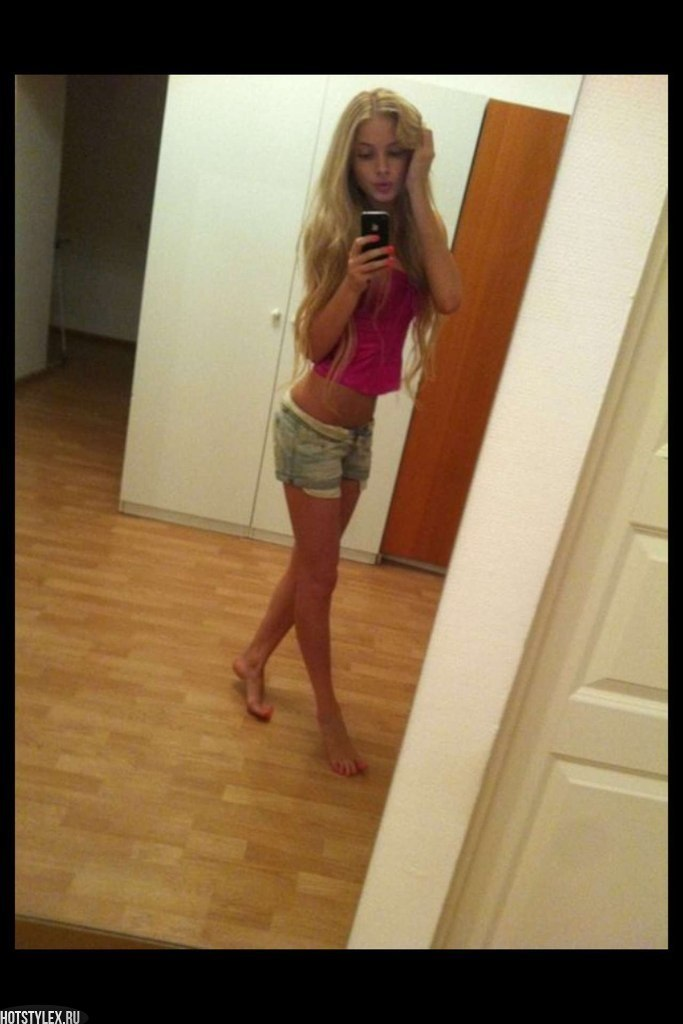 добавить фото на сайт частного фото девушек