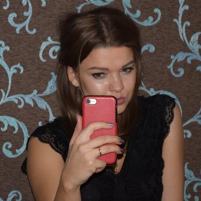 Олеся Любимова