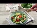 Салат с креветками авокадо и моцареллой