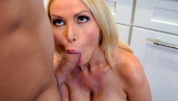 BangBros - Gets Her Pipes Fixed