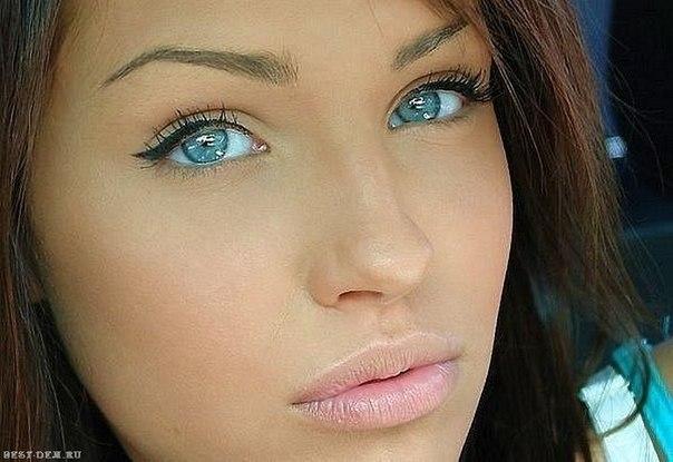 Голубые глаза макияж золотой оттенок