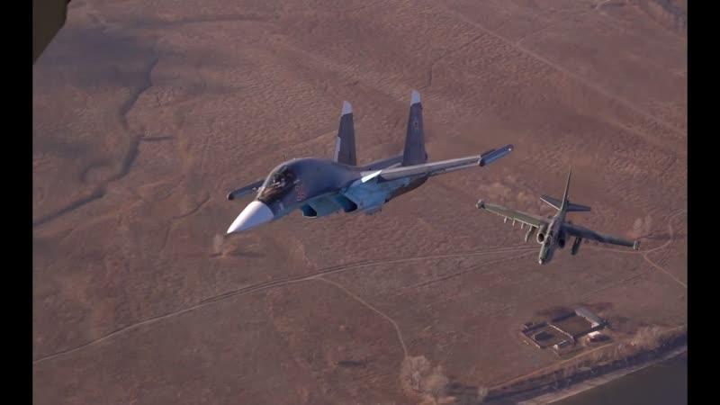 Совместный полет Су-25УБ и Су-34
