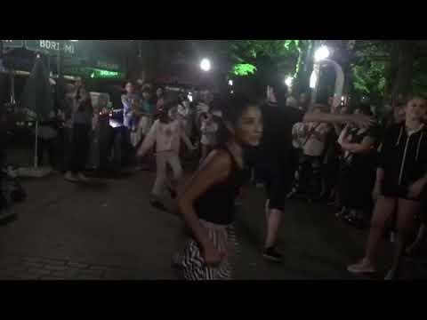 Девушки танцуют брейк под лезгинку в Грузии 2018 год