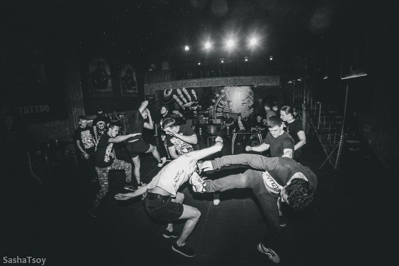 hardcore-gig-naked-karishma