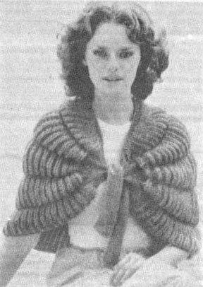Шали и накидки вязанные крючком