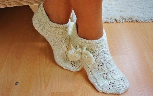 Ажурные носочки спицами   Набираем