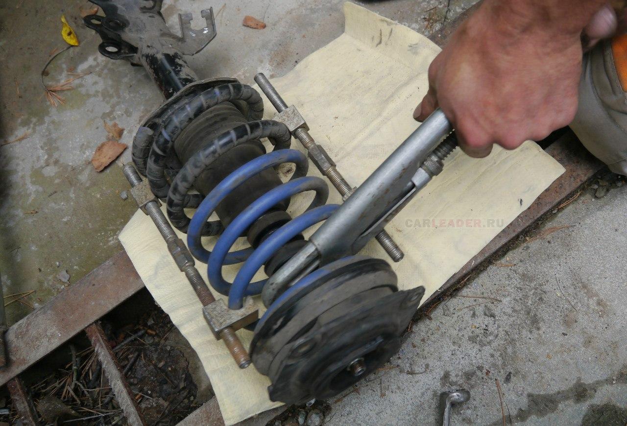 Газовый ключ и амортизатор