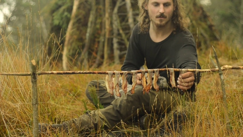 BC2 BUSHCRAFT OVERNIGHT - SHELTER BUILDING, FATWOOD, BACON, RUSSIAN AXE, REPAIRING SWEATER etc.