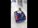Юная авто-леди 🚘
