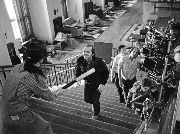 Кадр со съёмок фильма «Сияние»: Шелли Дюваль и Джек Николсон на съемках.