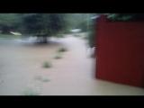 После дождя дома и дворы некоторых сочинцев затопило