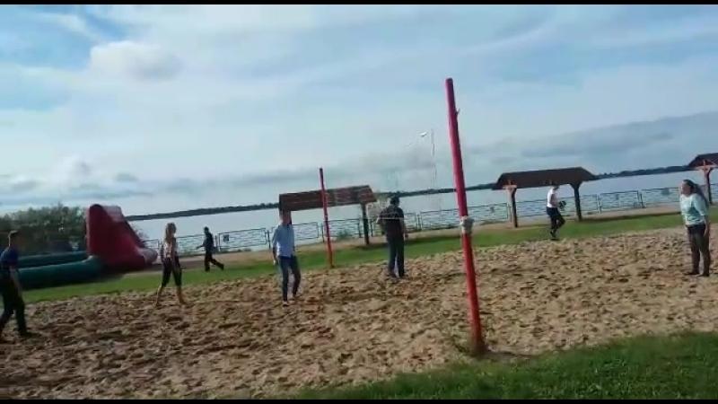 Летний день волейбол 3