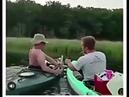 Мой друг рукожоп. Как ненадо откривать пива на озере.!