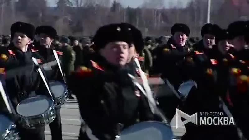 Тренировка парадных расчетов войск Московского гарнизона и механизированной колонны к параду 9 мая